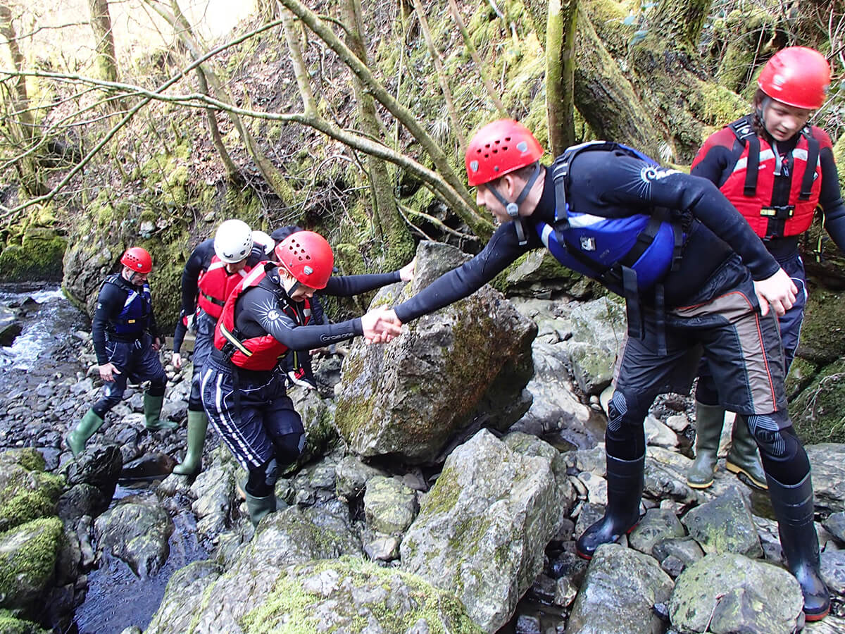 Team work while Gorge Walk